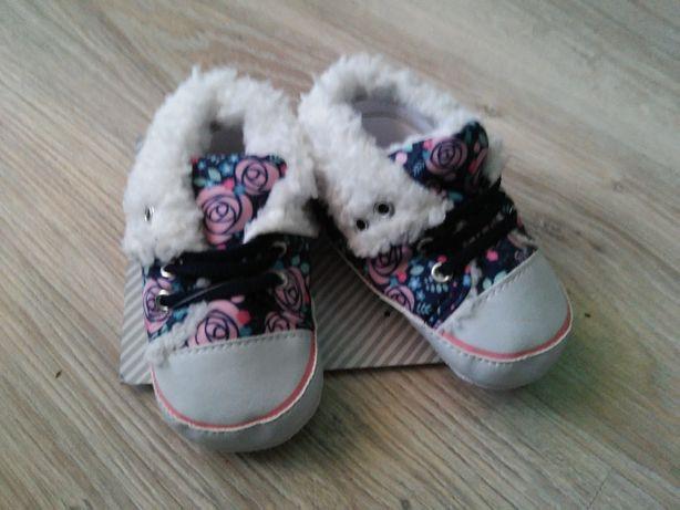 Nowe buty buciki niechodki ocieplane dla dziewczynki 12cm