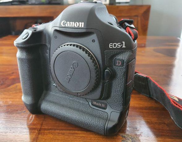 Aparat Canon EOS 1D Mark III idealny, niski przebieg!