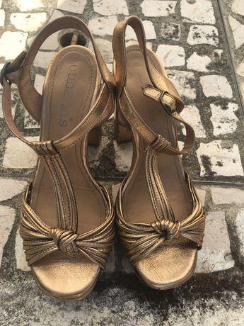 Sandálias Douradas CUBANAS
