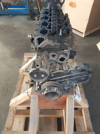 Używany Silnik Mitsubishi D04EG-TAA Kompletny Dużo Części
