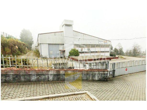 Armazém industrial em Grijó