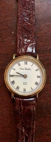 Relógio anos 80 da Pierre Cardin com caixa de banho a ouro