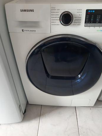 Máquina de lavar e secar roupa Samsung