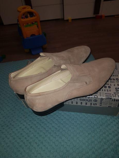 Продам нубуковые туфли