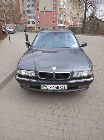 Продам автомобіль BMW-740i