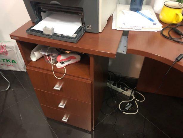 Стол офисный коричневый