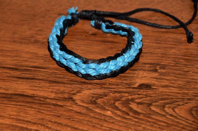 Niebieska pleciona bransoletka
