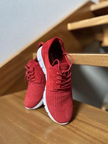 Czerwone buty skórzane Wojas