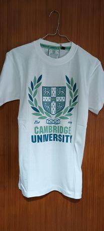 T-shirt branca oficial universidade de Cambridge