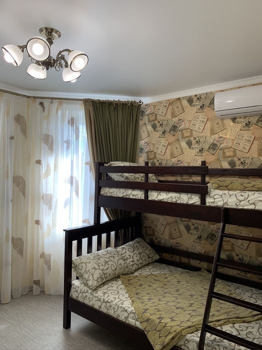Сдам дом на ПРАЗДНИКИ,НОВЫЙ ГОД12спальных-посуточно,Black Sea PSV,море-1