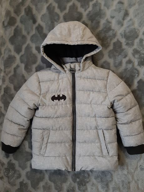 Деми куртка бетмен на 104 см,
