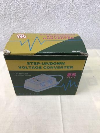 Conversor de voltagem