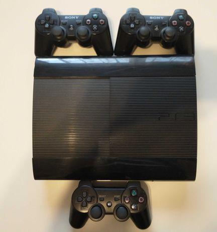 PlayStation 3 Slim 500GB PS3 + 3 pady