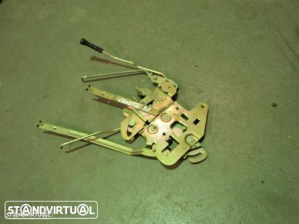 Fecho porta lateral - Nissan Vanette ( 1991 )