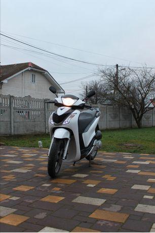 Продам скутер Honda SH 125i