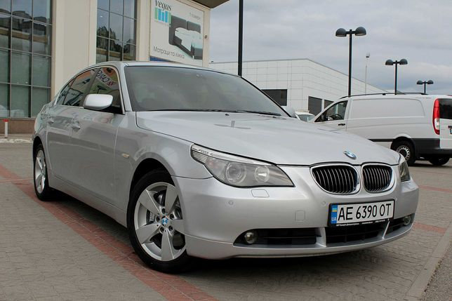 BMW 525 XDrive 2005 OFFICIAL