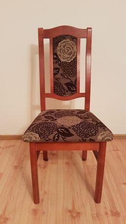 Sprzedam cztery krzesła - drewniane, brązowe, elementy kwiatowe
