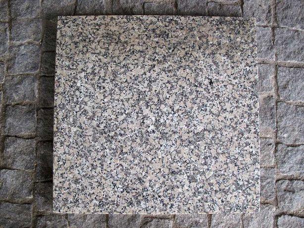 Tampo de Mesa em Granito Pedras Salgadas