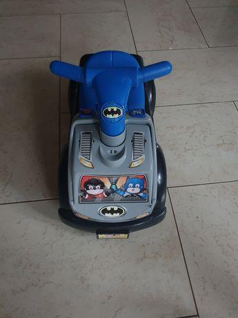 Jeździk Wyścigówka Batman Fisher Price, brak autek