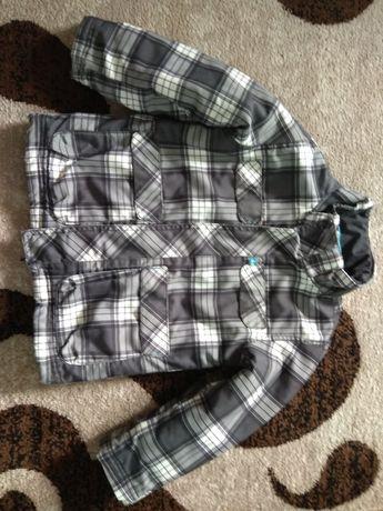 Весняна  хлопчача куртка