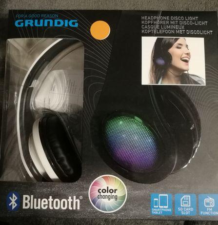 Słuchawki Grundig  zmieniające kolor