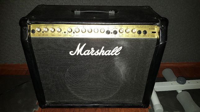 Marshall Valvestate 80V Model 8080 + FootSwitch