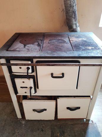 Piec kuchenny na węgiel