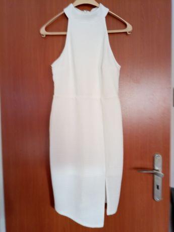 Sukienka śmietankowa asymetryczna z rozporkiem 38