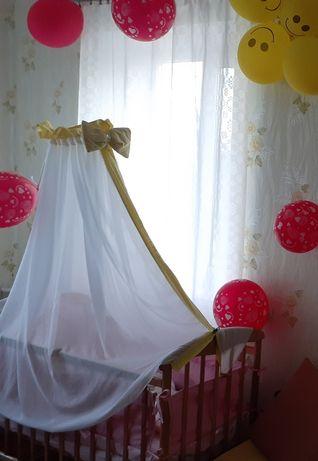 Балдахін на дитячу кроватку