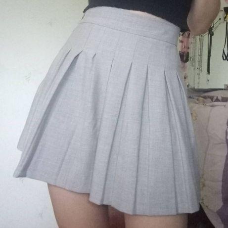 Юбка Bershka серая теннисная юбка со складками без шорт