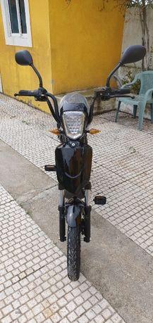 Bicicleta eletrica 48 voltes 680 euros NOVA