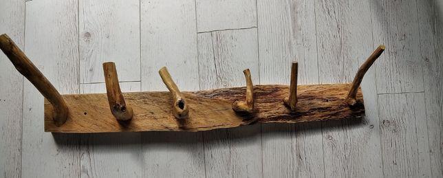 Drewniany wieszak, jedyny w swoim rodzaju od g.DES