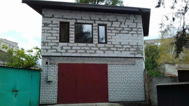 Продам гараж с жилым этажом и подвалом.