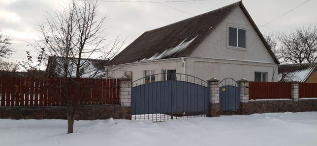 Продам комфортний і добротний будинок