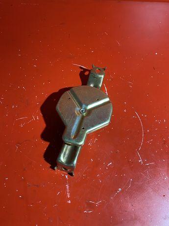 Кріплення акумулятора АКБ БМВ Е46 крепление кронштейн аккумулятора E46