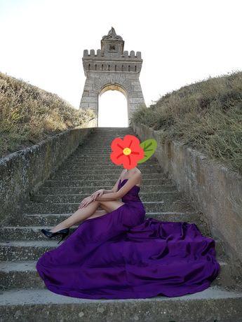Шикарное платье со шлейфом для фотосессии