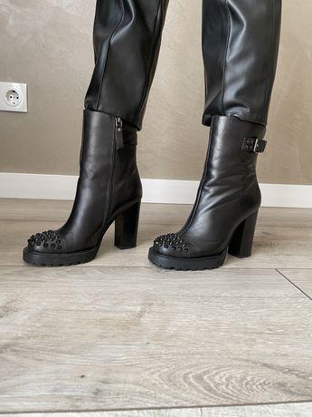 Женские ботильоны на каблуке