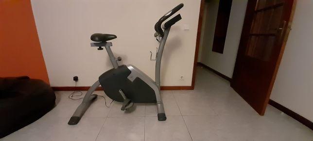 Bicicleta de apartamento