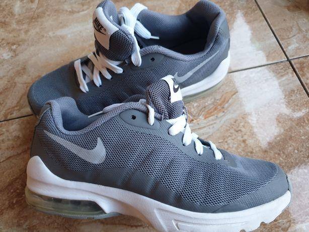 Nike Air dla chlopca r36,5 wkl.23,5cm