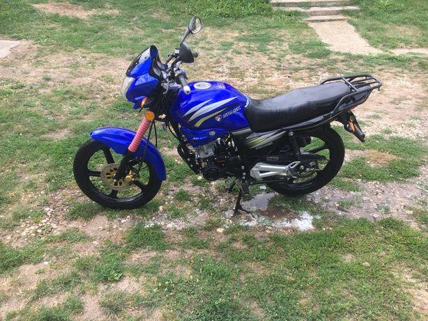 Продам  мотоцикл SPARK 200