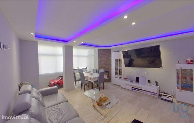 Apartamento - 94 m² - T3