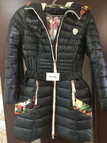 Продам классную женскую тёплую куртку размер М