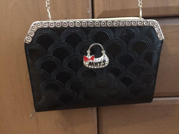 Клатч-сумочка на цепочке