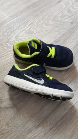 Кроссовки Nike 25 размер