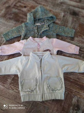 Zestaw 3 wiosennych sweterków. Pastelowe Kolorki. 62cm