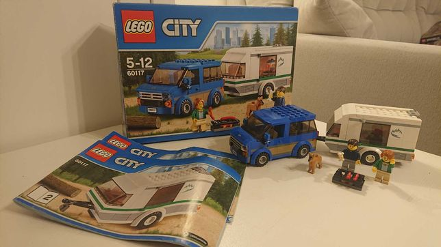 LEGO City 60117 - Van z przyczepą kempingową
