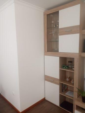 Dois armários de sala novos. Apenas com 1 mês