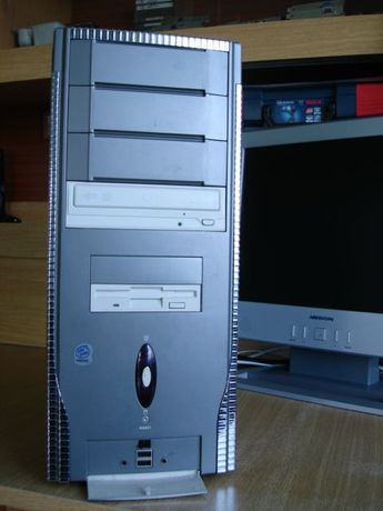 Komputer PC oryginalny Wndows XP
