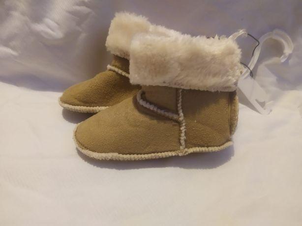Nowe buciki niechodki H&M botki kozaczki emu beżowe niemowlęce 20 21