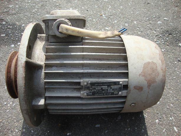 продам Электро-двигатель асинхронный 2,2 кВт 1420 об/м. сост. нового